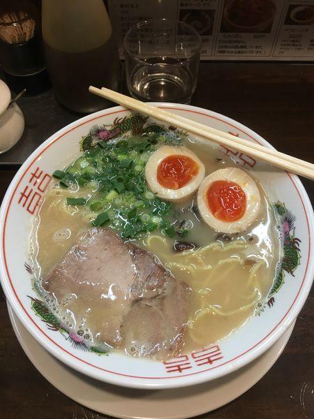 「豚骨ラーメン+味玉」@萬福本舗の写真