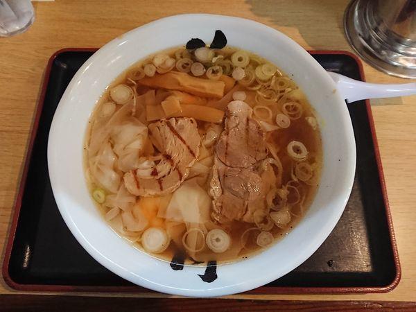 「海老ワンタンメン 830円」@花鳥風月 酒田本店の写真