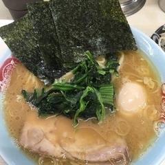 横浜ラーメン 町田家 町田本店の写真