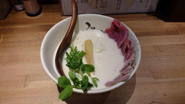 「牛白湯 肉増し」@牛骨ラーメン ぶっこ志 北浜店の写真