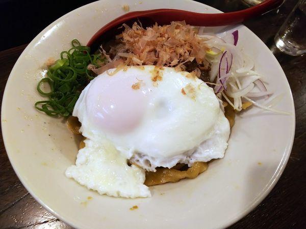 「カレーまぜそば」@立ち呑み居酒屋 金町製麺の写真