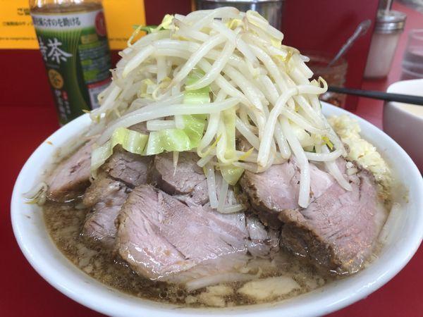 「小豚(にんにく)+生卵¥850」@ラーメン二郎 神田神保町店の写真