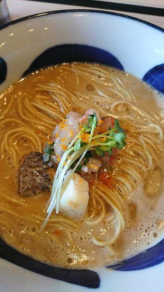 「濃厚真鯛そば、鯛のなめろうを添えて」@寿製麺よしかわ 坂戸店の写真