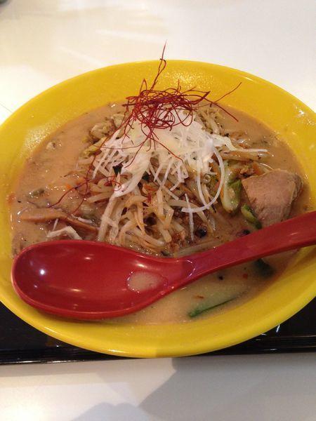 「3SO香福豚ホルモン炒めのせ 900円」@RA-MEN 3SOの写真