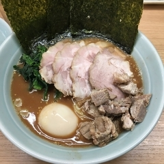 横浜ラーメン 武蔵家 日吉店の写真