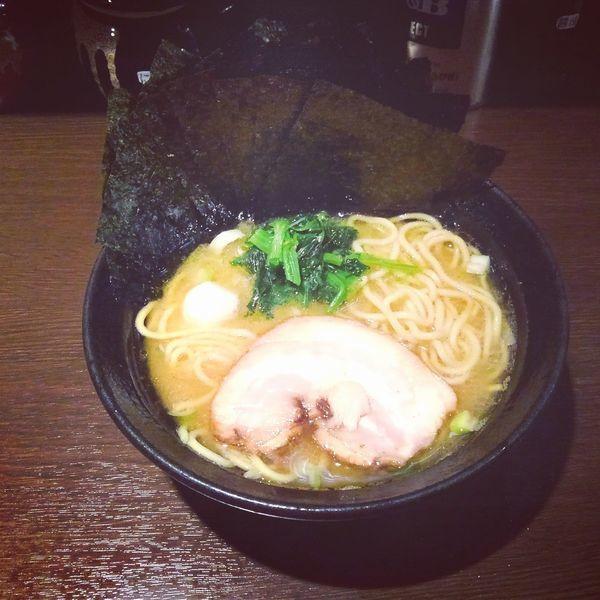 「豚骨醤油ラーメン(海苔増し)」@家系ラーメン 壱壱家の写真