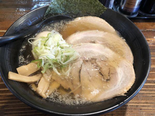 「チャーシューらー麺+たまご」@麺屋さくらの写真