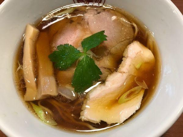 「鶏醤油ラーメン 850円」@らぁ麺とうひちの写真