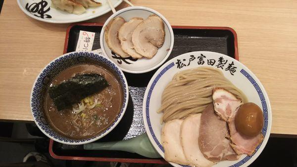 「濃厚特製つけ麺(大)+炙りチャーシュー」@松戸富田製麺 ららぽーとTOKYO-BAY店の写真