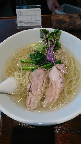 「塩生姜らー麺」@塩生姜らー麺専門店MANNISHの写真