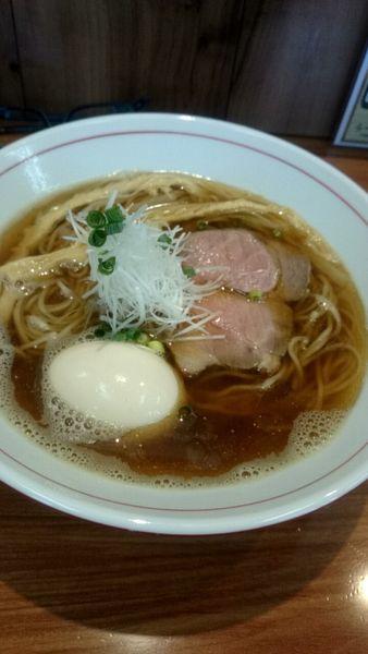 「煮干し醤油ら~麺(650円)+味玉(100円)」@ら~麺 安至の写真
