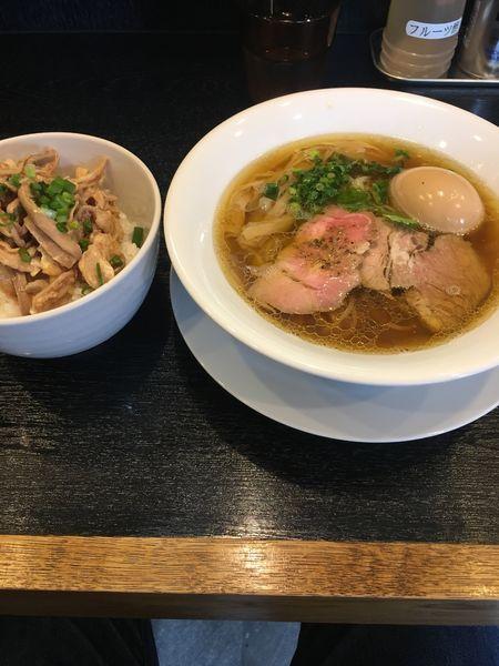 「醤油そば 味玉 ガツ丼」@麺屋 中川會 住吉店の写真