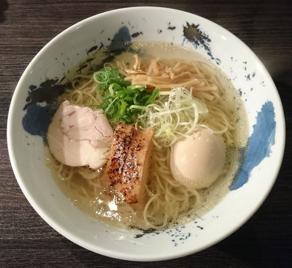 「鶏そば+味玉」@鶏そば 雫一 大袋店の写真