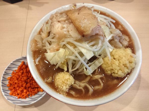 「ラーメン(麺少なめ)+しょうが」@鷹の目 蒲田店の写真