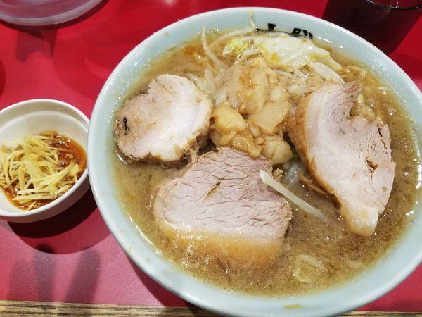 「ラーメン 麺1∕3、豚プラス、カラメ有り」@ラーメンきずなの写真