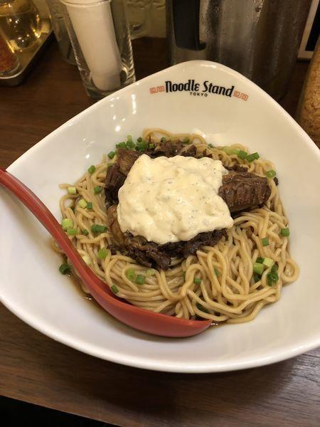 「牛煮込みまぜそば」@Noodle Stand Tokyoの写真