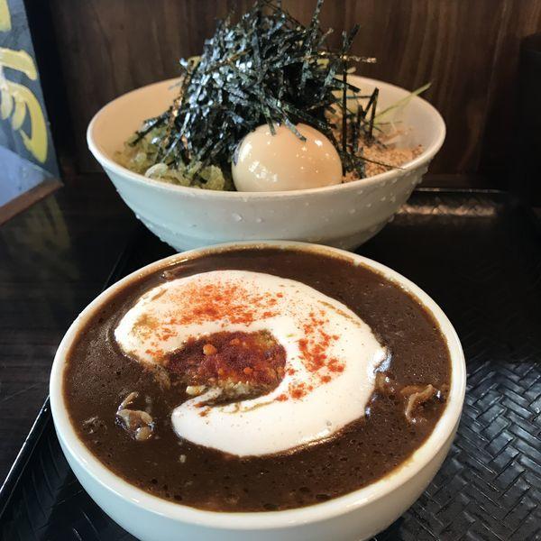 「黒カレー肉そば(¥1,000)」@なぜ蕎麦にラー油を入れるのか。 池袋本店壬生の写真