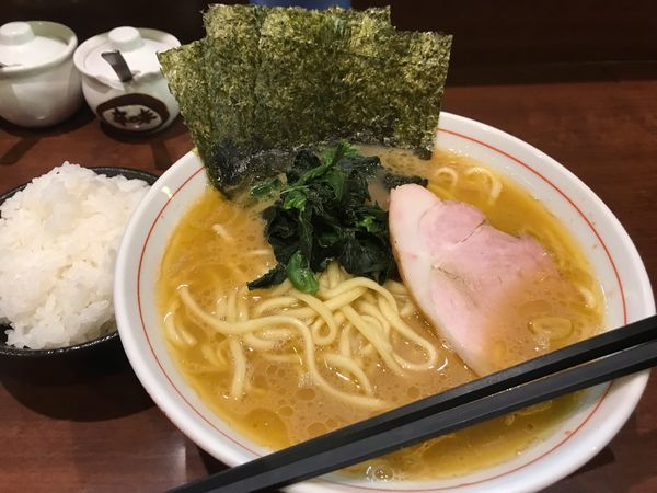 「らーめん(もも肉)700円」@らーめん飛粋の写真