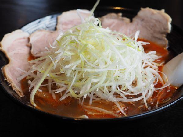 「勝浦タンタンメン チャーシュートッピング」@麺屋MASTER PIECE 勝浦本店の写真