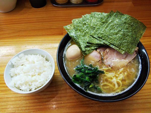 「チャーシュー麺 玉子+のり増しとライス」@巓の写真
