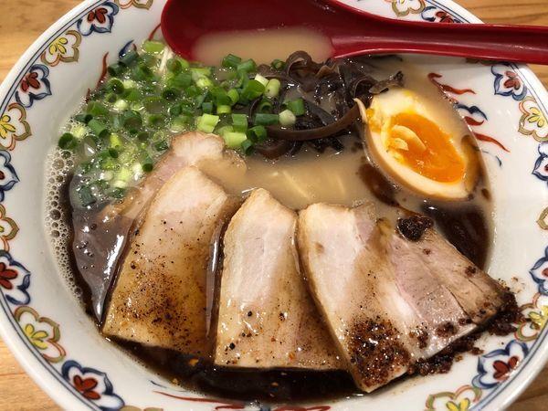 「限定 豚骨らーめん 肉増し 950円」@くじら食堂 nonowa東小金井店の写真