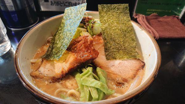 「特濃魚介豚骨ラーメン    ライト」@麺家 うえだの写真