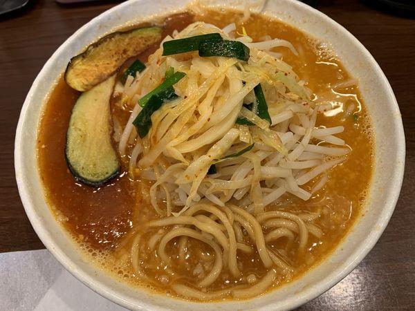 「あんかけ拉麺(サービス麺中盛)」@旨辛ラーメン 表裏 水道橋店の写真