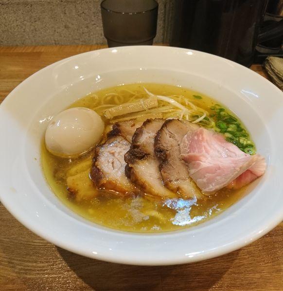 「チャーシュー塩らぁめん 味玉」@麺処 青野の写真