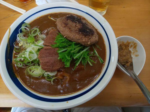 「和牛タン先カレー B 和牛ハンバーグ乗せ」@MENYA 食い味の道有楽の写真