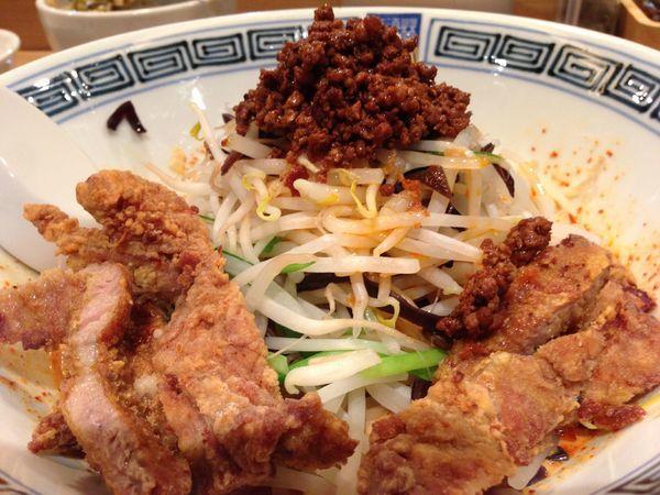 「汁なし排骨担々麺」@希須林 赤坂店の写真