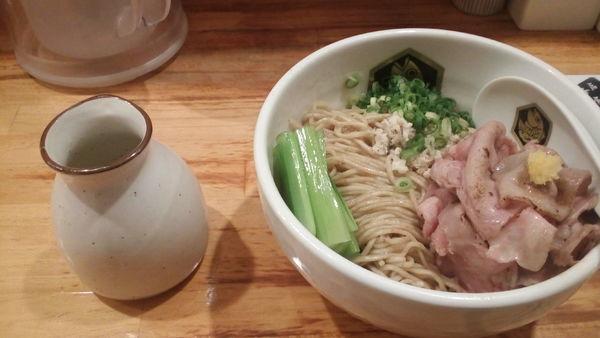 「鯛油そば(750円)+大盛(100円)」@真鯛らーめん 麺魚の写真