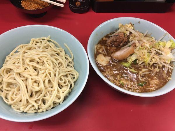 「ブッたまつけ麺  ゴマパンチ  ヤサイちょいマシ ニンニクアブラ」@ラーメン二郎 中山駅前店の写真