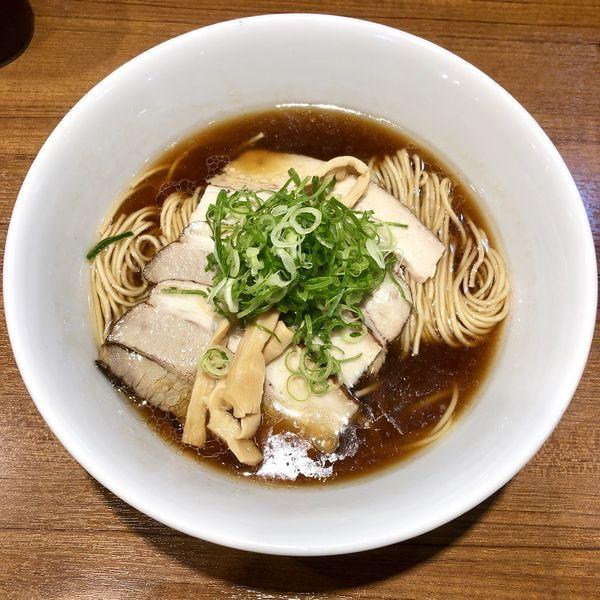 「【限定】はつかり醤油の比内地鶏中華そば ¥800」@寿製麺よしかわ 川越店の写真