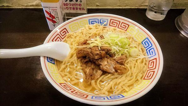 「【限定】トロトロ豚軟骨そば」@づゅる麺 池田の写真