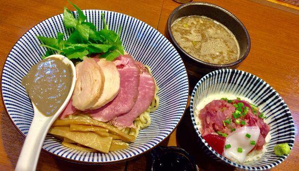 「煮干つけ麺 & 海鮮丼」@寿製麺よしかわ 川越店の写真