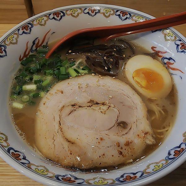 「【限定】豚骨ラーメン」@くじら食堂 nonowa東小金井店の写真