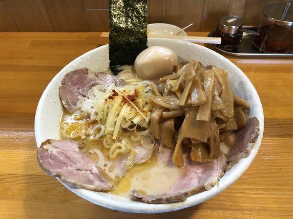 「塩ラーメン+チャーシューメンマ+ビール」@麺屋 永太の写真