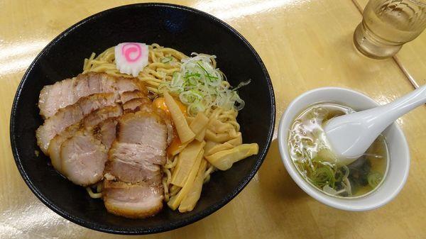 「一平ソバ大(770円)+チャーシュー+生卵+スープ」@油ソバ専門店 一平ソバの写真
