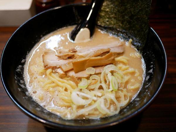 「ラーメン 太麺 大盛」@ラーメン長山の写真