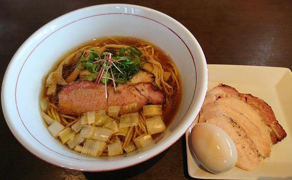 「虎徹そば(醤油)+特製(1030円)」@麺や 虎徹の写真