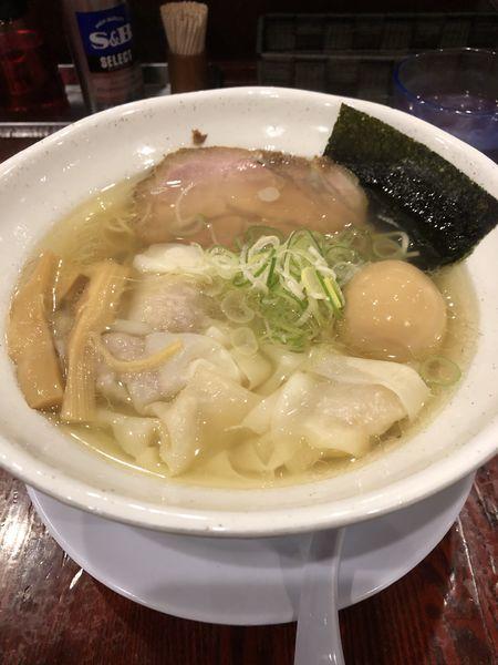 「塩わんたん麺(大盛)+煮玉子¥1,010」@翔鶴 高崎店の写真