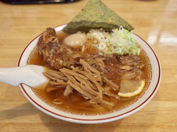 「コツコツらーめん醤油…750円」@三十六番の写真