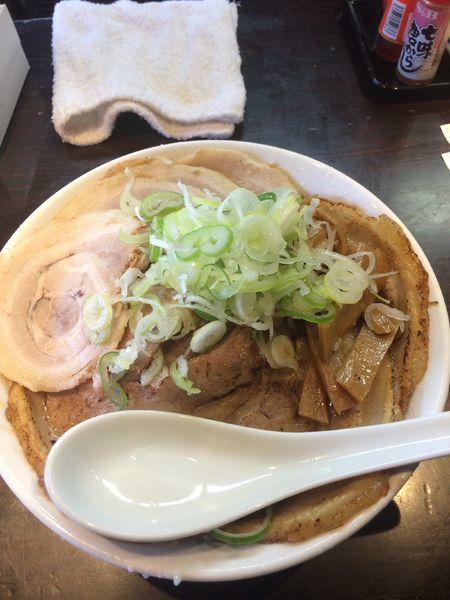 「醤油チャーシュー1010円厚切り炙りチャーシュー400円」@旨みこってりらーめん鐵TETSUの写真