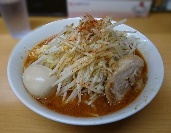 「辛らーめん(中太麺、ニンニク少し)」@ラーメン ○菅の写真