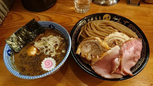 「つけ麺+トッピング+ローストチャーシューごはん」@中華蕎麦うゑずの写真