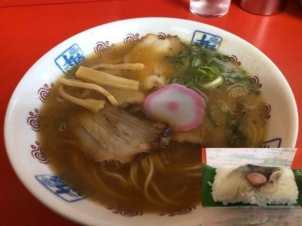 「中華そば700円、鯖寿司150円」@井出商店の写真