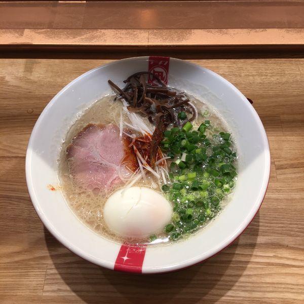 「凪豚 焼きあごだしとんこつ 味玉トッピング」@ラーメン凪 福岡空港店の写真