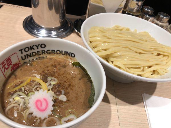 「つけめん(濃厚) 880円」@TOKYO UNDER GROUND RAMEN 頑者の写真