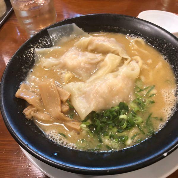 「濃厚海老雲呑麺」@広州市場 西新宿店の写真