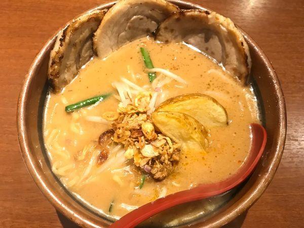 「北海道味噌 味噌漬け炙りチャーシュー麺 ¥1,090」@麺場 田所商店 小田原店の写真